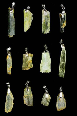 hiddeniet hanger geel, hiddenite yellow, hiddeniet ruw, hanger, hiddeniet groen ruw, kopen, hiddenite