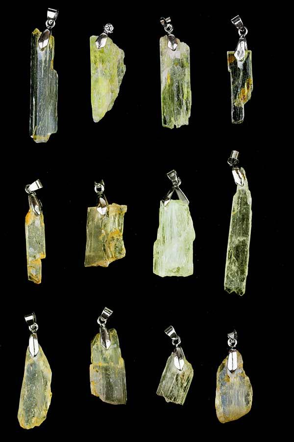 hiddeniet hanger geel, hiddenite yellow, hiddeniet ruw, hanger, hiddeniet groen ruw, kopen, hiddenite