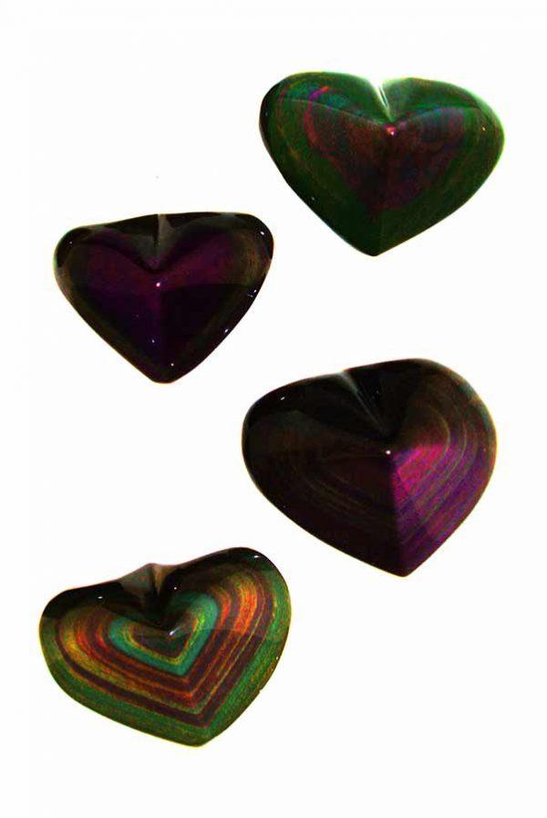 Regenboog Obsidiaan hart, 50-100 gram en 175-250 gram.