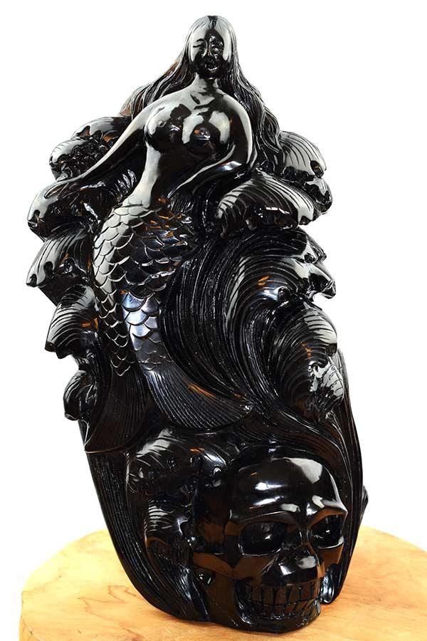 Obsidiaan zee meermin met schedel en golven, 39 cm, 10.3 kilo