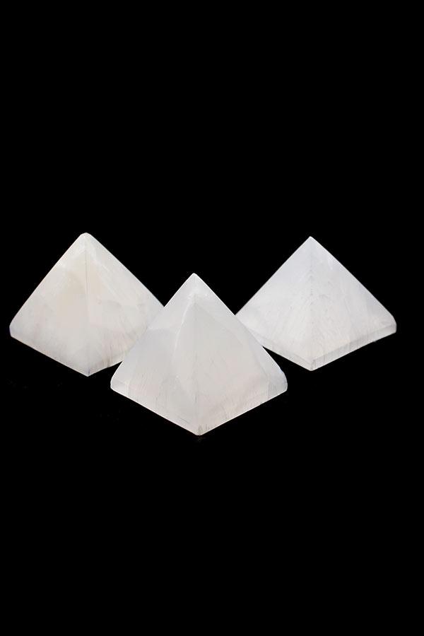 Seleniet piramide 4-5 cm, 70 - 120 gram