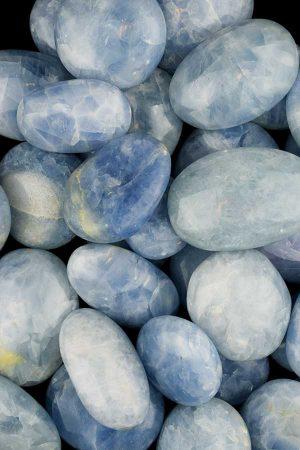 blauwe calciet, blauwe calciet steen, grote stenen, knuffelsteen, getrommeld, hand gepolijst, kopen, blue calcite,