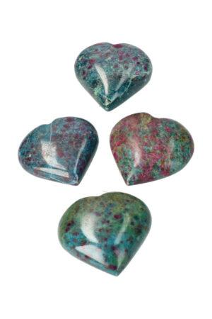 Robijn in Kyaniet hart, 4 of 5 cm